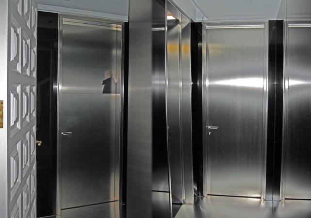 Puertas Para Baño En Acero Inoxidable:T245 Puerta y panelado interior en acero inoxidable para bao